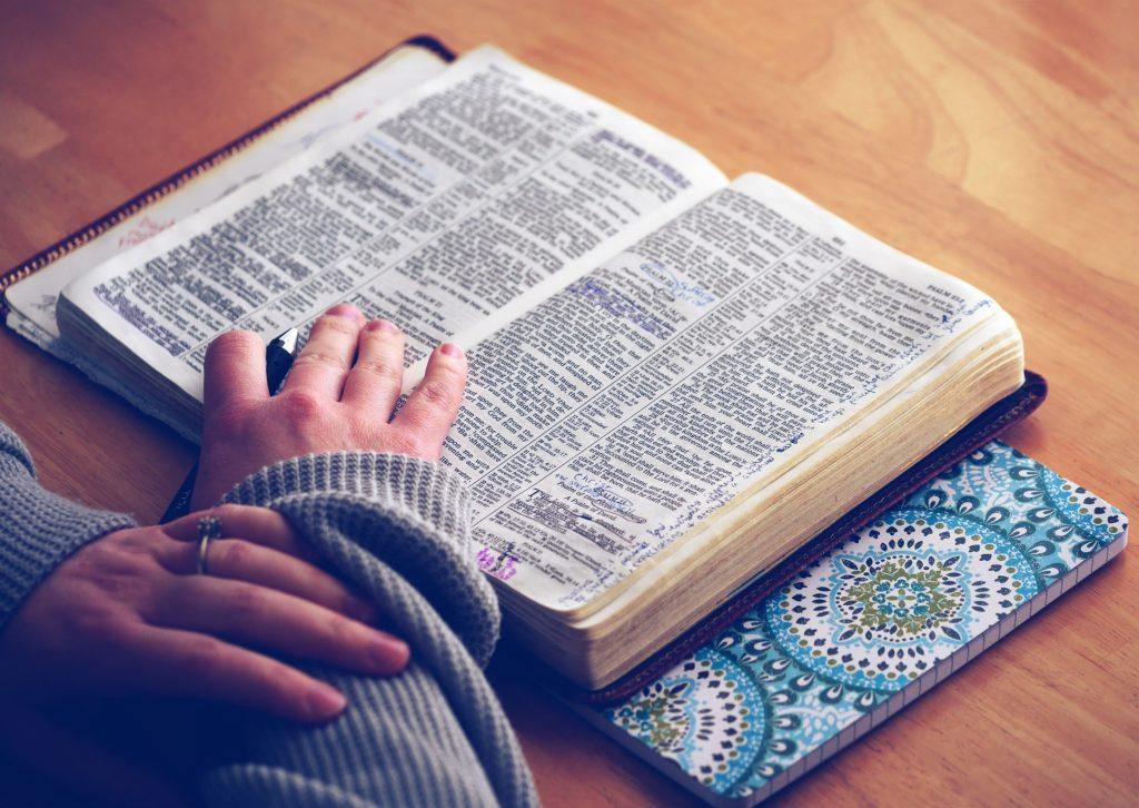 czytać pismo święte