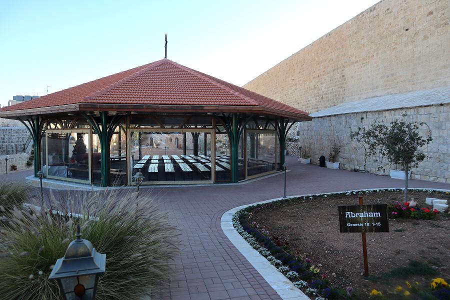 miejsce rekolekcyjne dla pielgrzymów w klasztorze karmelitanek w Betlejem