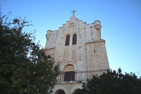 fasada kościoła karmelitanek w Betlejem