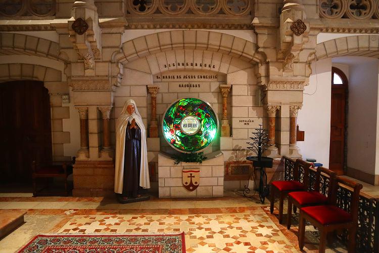 wnętrze kościoła w klasztorze karmelitanek w Betlejem