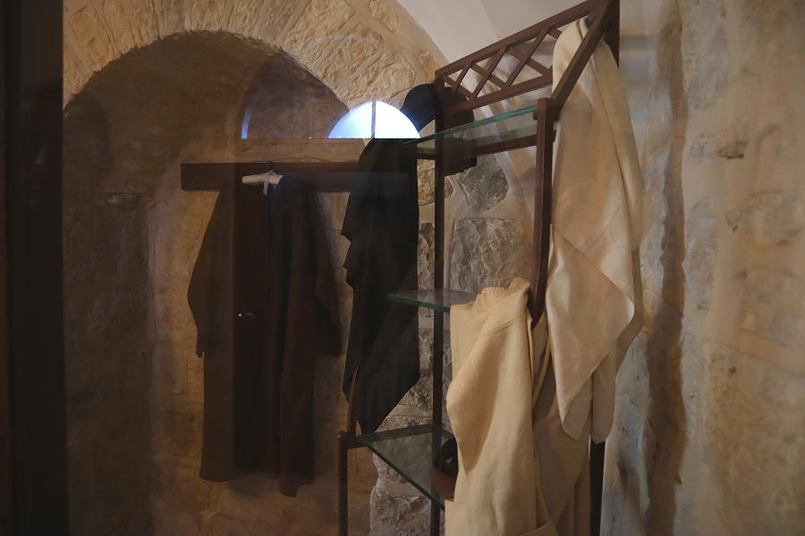 odzież - relikwie Małej Arabki w Betlejem